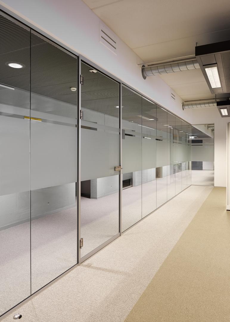 Minnaert Utrecht - IQ-Single glass wall with full glass door r