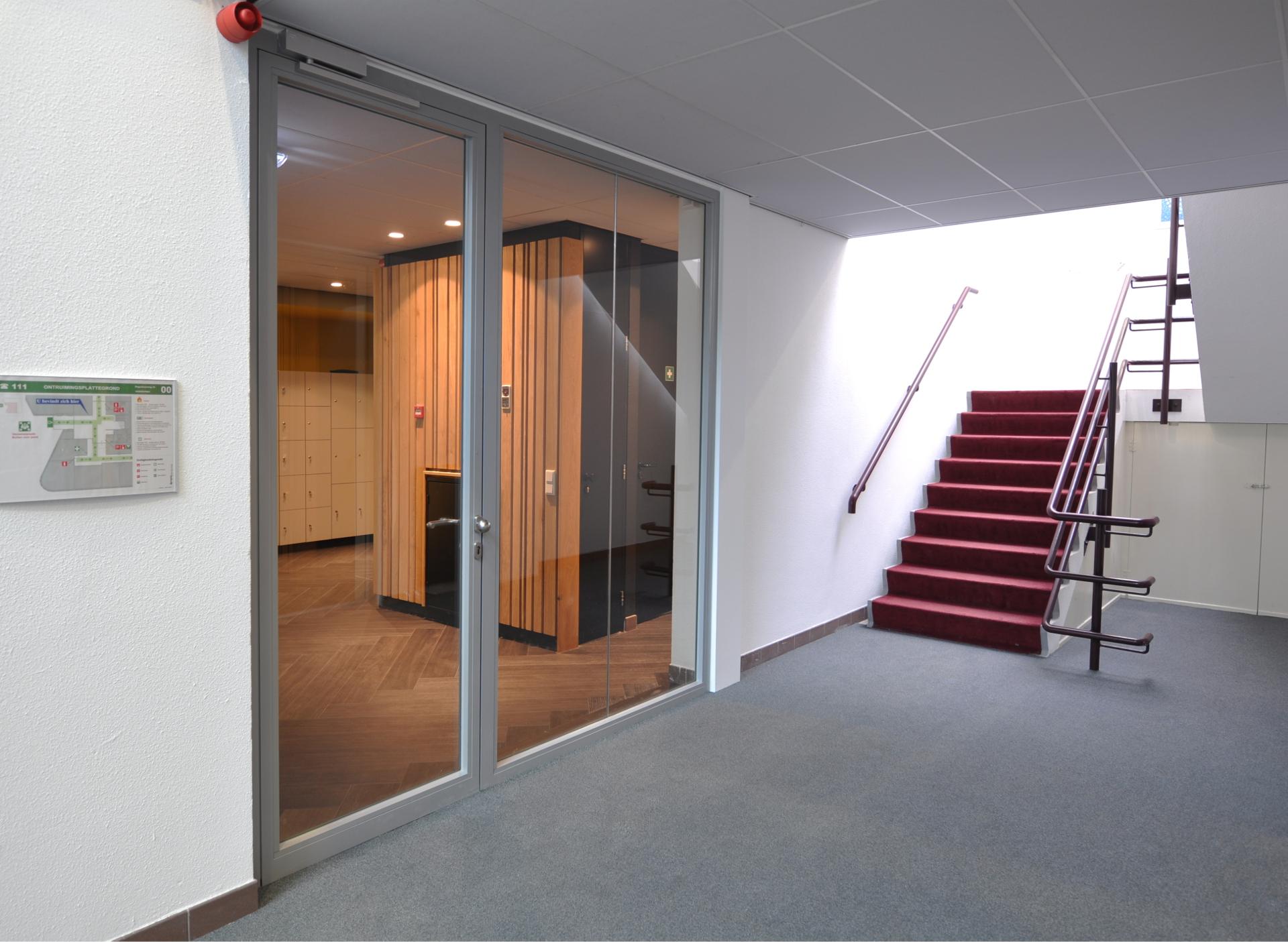 Steel fire resistant glass wall EW30