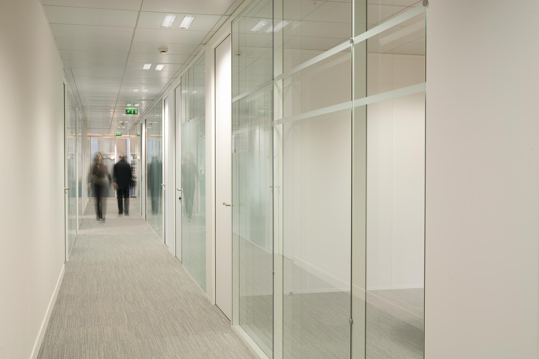 IQ Cristal Glass Wall System