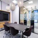Meeting room with glass and closed wall parts at Novo Nordisk Alphen aan den Rijn