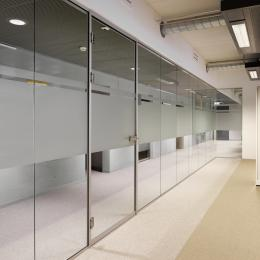 Minnaert Utrecht - IQ-Single glass wall with full glass door r