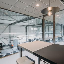 Partition with safety glass at the first floor at Wraptor in Nootdorp