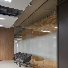 Meeting room  with Single glass partition