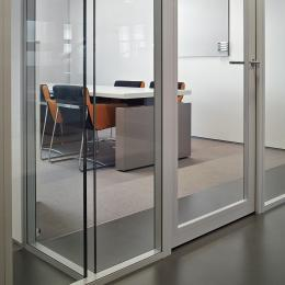T-connection of two double glass system walls