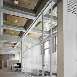 Extra high partitions glass wall with high acoustic values