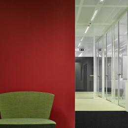 Triple concentration rooms made of acoustic layered glass