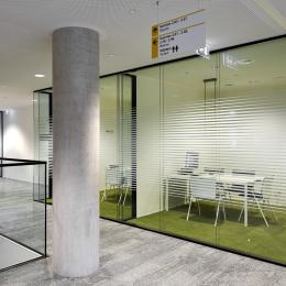 Small converstaion room with high acoustic double glass wall