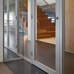 Double glass aluminum framed door with high sound reduction