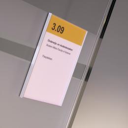 Sign on a Singel glass removeble wall at Menneart University Utrecht