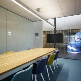Office box QQ1 single glass freestanding unit