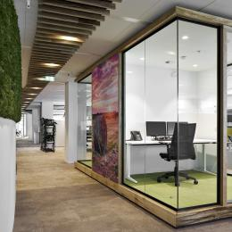 Multilple concentration rooms build with wood, aluminum and glass
