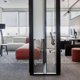 Full glass T-connection of double glass partitions