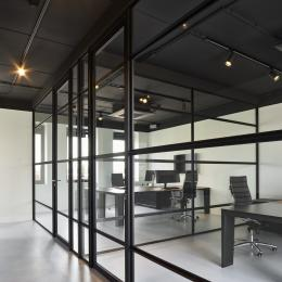 "QbiQ ""Route 66"" partition wall with industrial look"