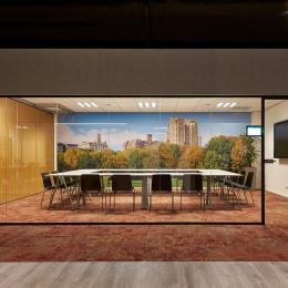 Boardroom with QbiQ IQ-Single Partition Walls