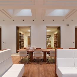 Library at B300 The Hague