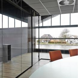 universal free standing glass convfrence room