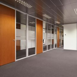 Single glass partition wall made of aluminum profile