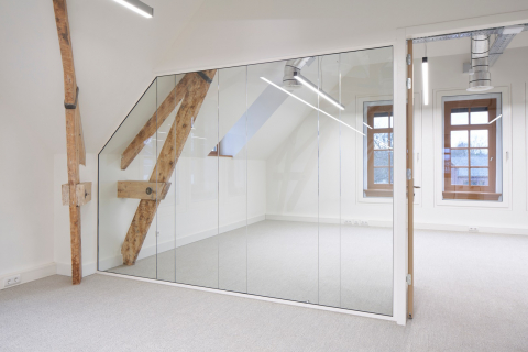 A partition wall made out of cutting loss of glass