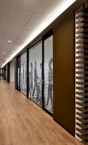 Single glass partition wall at town hall Leusden
