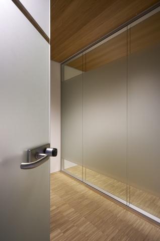 Minnaert Utrecht - iQ-Structural double glass wall
