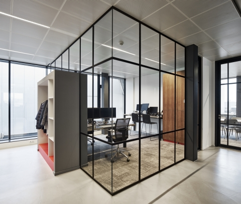 Office wall IQ-Single with classic vertical and horizontal grid