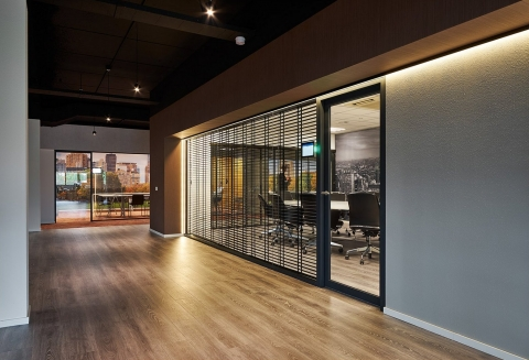Double glass partition wall at PCI Lijnden