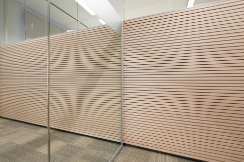 T-connection single glass wall and wood panel