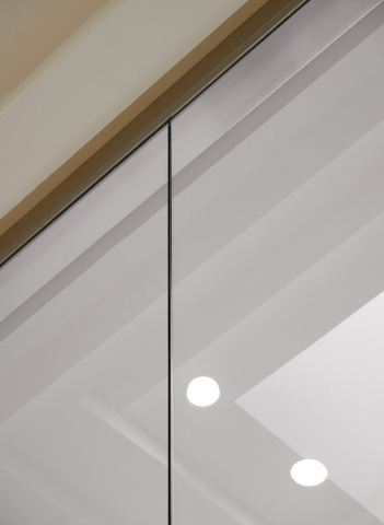 Join of two fire resistant glass panels