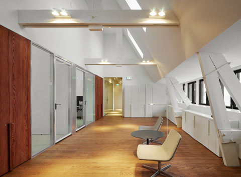 Single glass office wall system with double glass flush doors