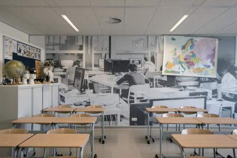 iQ-Structural systeemwand toegepast als scheiding tussen klaslokalen
