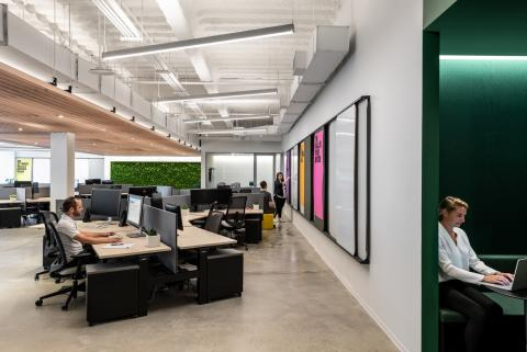 Office at Wordwide New York with QbiQ partition