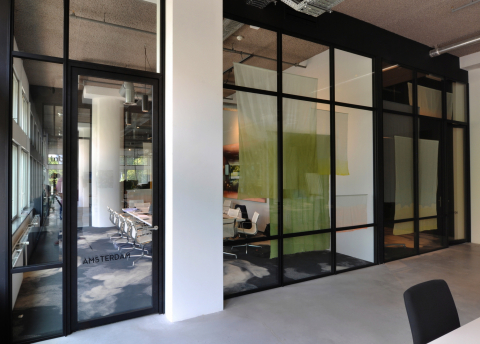 Old fashion industrial look glass office walls with double glass and high acoustic values
